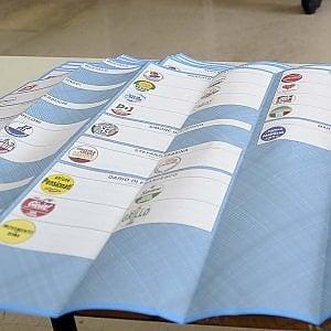 In Campania 810mila al voto per eleggere 93 sindaci: cresce l'affluenza