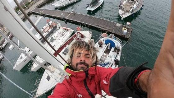 Il viaggio in solitaria di Lucio, l'ingegnere-velista che racconta le 33 isole d'Italia