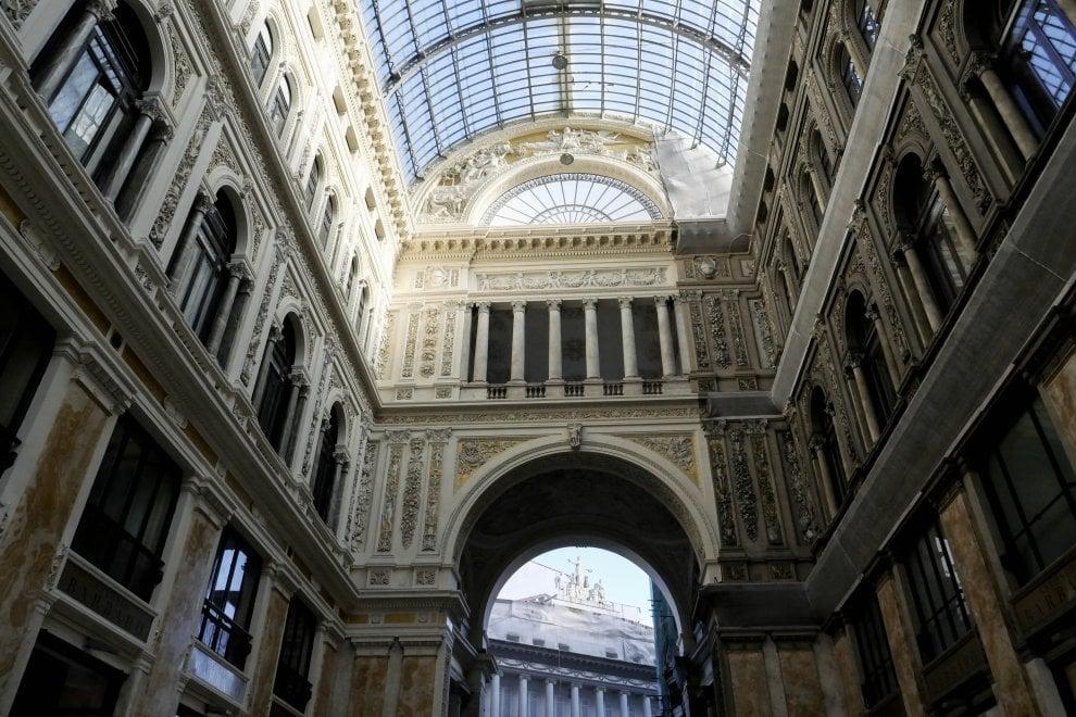 La Galleria Umberto è di due colori