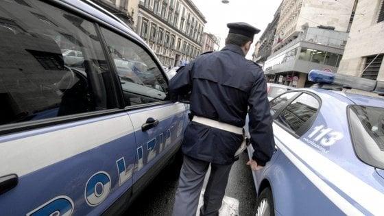Dipendente di una farmacia aggredito da un ambulante a Napoli