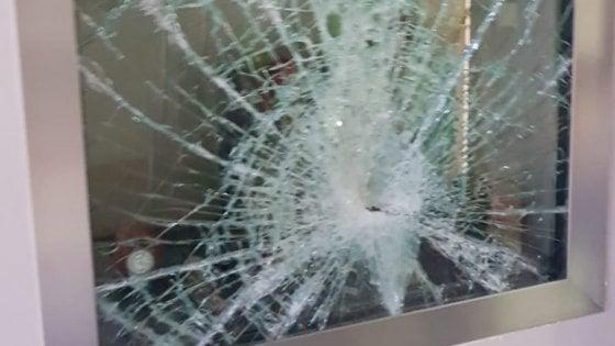 Colli Aminei, boom di furti: vetrine spaccate, negozi svaligiati