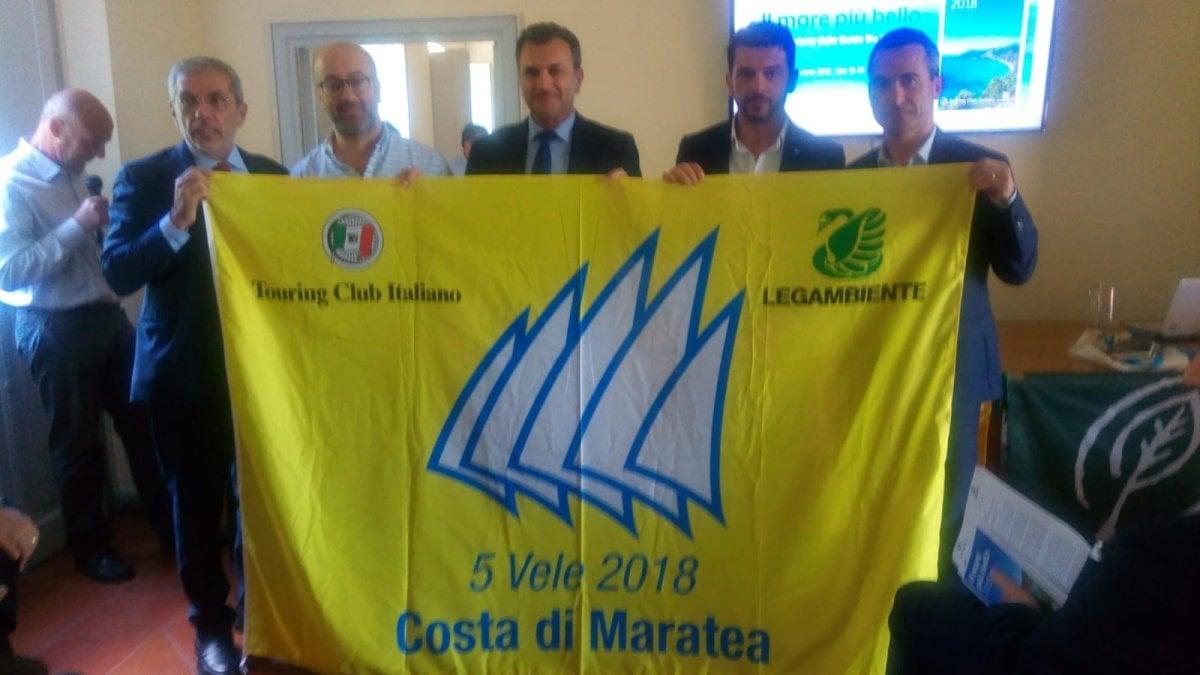 """Maratea rinuncia alle 5 Vele. L'assessore Glosa scrive a Legambiente:""""Faremo sapere se di nuovo interessati """". Albergatori sul piede di guerra."""