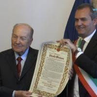 Napoli: cittadinanza onoraria a Paolo Grossi
