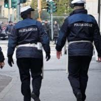 Terrore al Vomero: automobilista spara a un vigile ma il colpo non parte