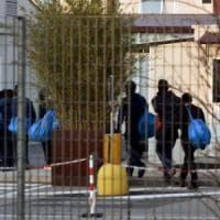 """Benevento, frode su centri d'accoglienza. Arrestato il """"re dei rifugiati"""" con altri 4...."""