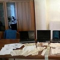 Soldi e valori bollati falsi: 5 arresti dei in Campania