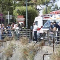 Auto precipita dal belvedere di Posillipo, 4 ragazzi feriti. Sono gravi