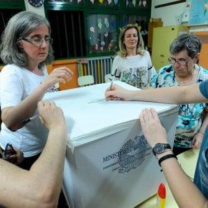 Al voto 13 Comuni con 365mila elettori Scontro ad Avellino fra Pd e Cinque stelle