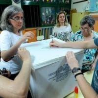 Al voto 13 Comuni con 365mila elettori Scontro ad Avellino fra Pd e Cinque