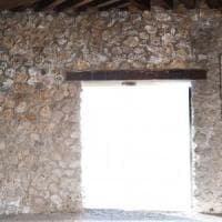 Pompei, si stacca pannello di cemento armato dalle Terme  della Casa del