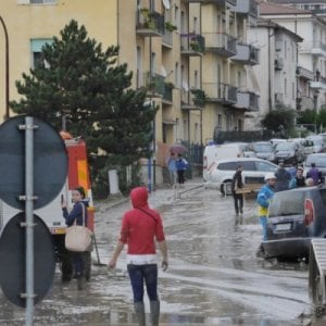 Tangenti sui lavori dopo l'alluvione: arrestato sindaco nel Beneventano