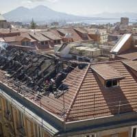 Napoli, domato l'incendio a Palazzo Carafa di Maddaloni