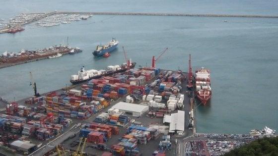 Migranti: 12 anni da Tunisia a Italia nascosto su nave