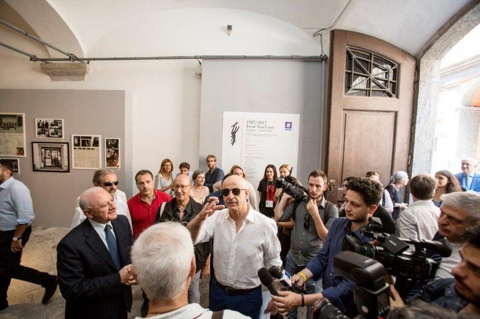 """Toni Servillo inaugura a Palazzo Reale la mostra """"Trent'anni Uniti"""""""