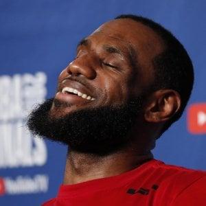 Nba, c'è LeBron James: il Re Mida del basket in vacanza in Costiera Amalfitana dopo il contratto record