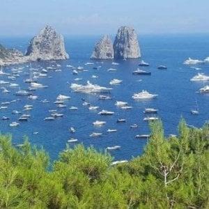 Capri, dimezzati servizi spazzamare per grandi yacht