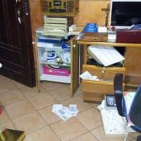Furto in casa del parroco, lui scomunica i ladri su Facebook: 'Schifosi'