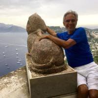 """Andrea Bocelli rapito dalla bellezza di Villa San Michele ad Anacapri: """"Sono qui per Axel..."""