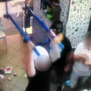 Raid punitivo contro un bar, arrestato boss della Sanità