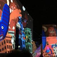 Ischia, i palazzi prendono vita con forme e colori: performance di Matthew Watkins per Sant'Anna