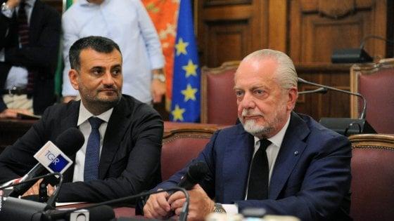 """De Laurentiis: """"Non ci sarà commistione tra Napoli e Bari: sono due storie diverse""""."""