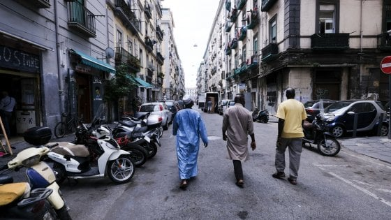 Napoli, sui migranti il deputato leghista avverte il prefetto: comanda Salvini, si adegui