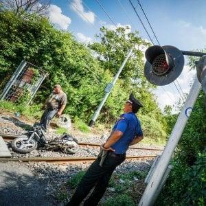 Muore investito da un treno nel napoletano