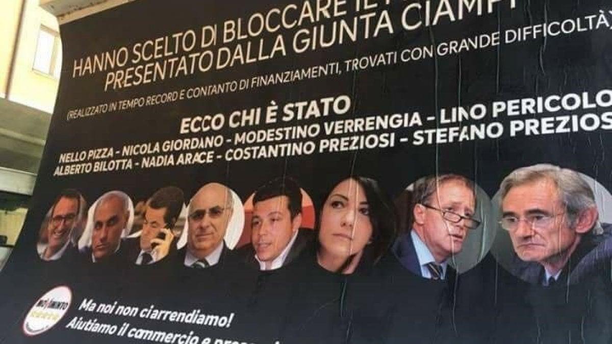 L'idea sarebbe stata del sottosegretario al Ministero dell'Interno, Carlo Sibilia.