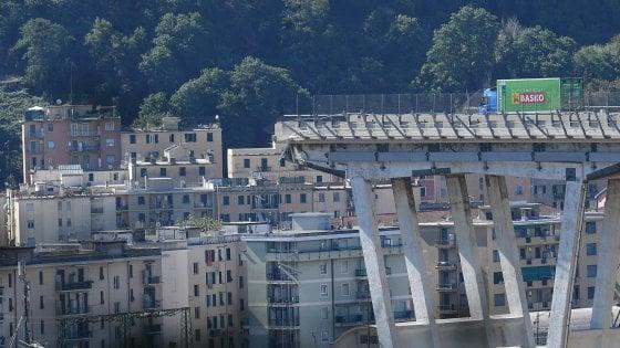 Crollo ponte Morandi a Genova, tra le vittime anche 4 giovan