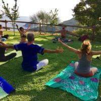 Dallo yoga all'arte, idee di Ferragosto tra le isole e la Costiera
