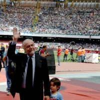 Napoli, De Laurentiis va avanti per la sua strada: