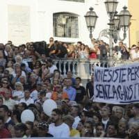 Crollo ponte Genova, denuncia contro ignoti dei familiari di due vittime