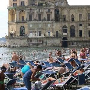 Spiagge private, la tassa dell'estate e i lidi pubblici sono inaccessibili