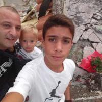 """Ischia, Ciro da eroe a """"reporter"""" sui luoghi del sisma un anno dopo"""