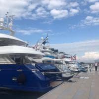 Quattro mega yacht per la famiglia reale saudita nel porto di Castellammare