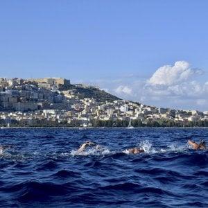 Capri-Napoli, nel golfo il meglio del nuoto in acque libere