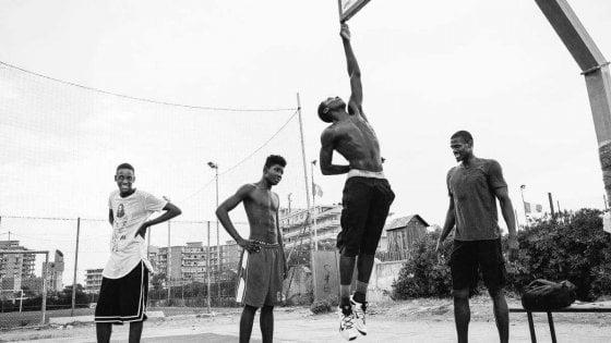 """Born in Italy"", una mostra a Castel Volturno per la ""Tam Tam Basket"""