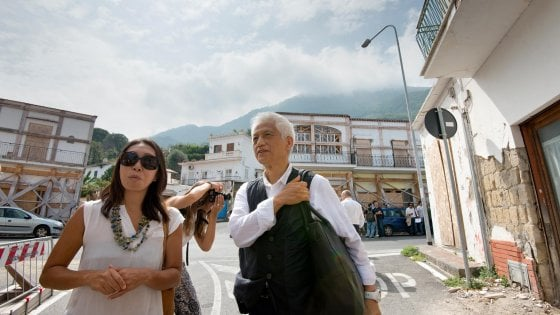 """Ischia il monito dell'archistar giapponese: """"Si è costruito troppo e senza criteri antisismici"""""""