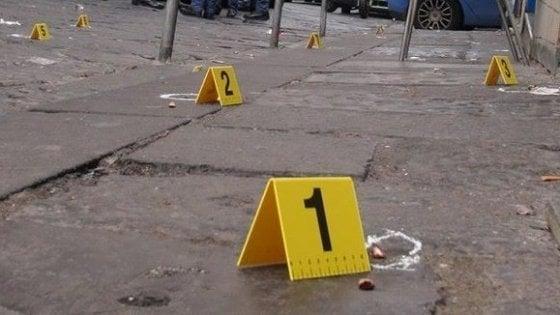 'Stesa' dei clan a Napoli, colpite finestre di un'abitazione a Soccavo