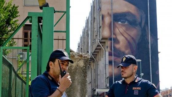 Napoli, inseguito dalla polizia muore cadendo da un terrazzo