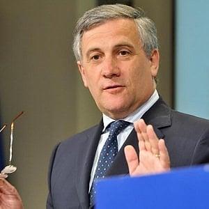 """Potenza, stati generali di Forza Italia. Elezioni regionali, Tajani: """"Insieme con Lega, Fratelli d'Italia e liste civiche"""""""