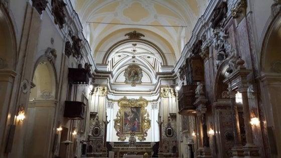 """Apre la chiesa della Ss. Annunziata,  il Touring Club Italiano porta il progetto """"Aperti per Voi"""" a Benevento"""