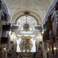 Apre la chiesa della Ss. Annunziata,  il Touring Club Italiano porta il
