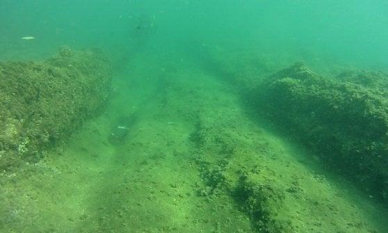 Nei fondali di Castel dell'Ovo le tracce di un porto greco di 25 secoli fa