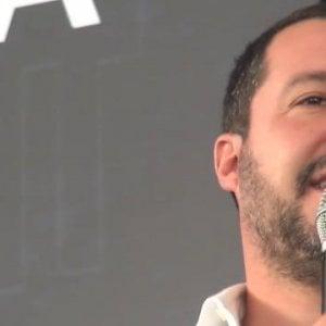 Se De Luca scimmiotta Salvini