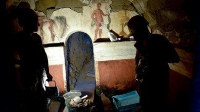 Rep : Cuma, scoperta tomba dipinta  Ecco la necropoli dell'élite osca