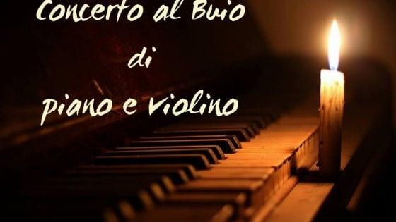 """Galleria Borbonica: torna il """"Concerto al buio"""" di piano e violino"""
