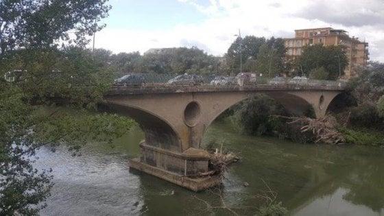 """""""E' pericolante"""", sequestrato il ponte sul Volturno"""