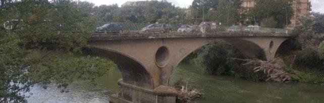 """""""Pericolante"""", sequestrato il ponte sul Volturno"""