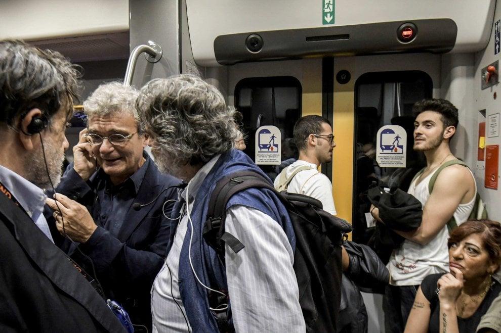 """La """"passeggiata"""" di Mario Martone dal Madre al Nest: """"Il mio viaggio nella città divisa in due"""""""